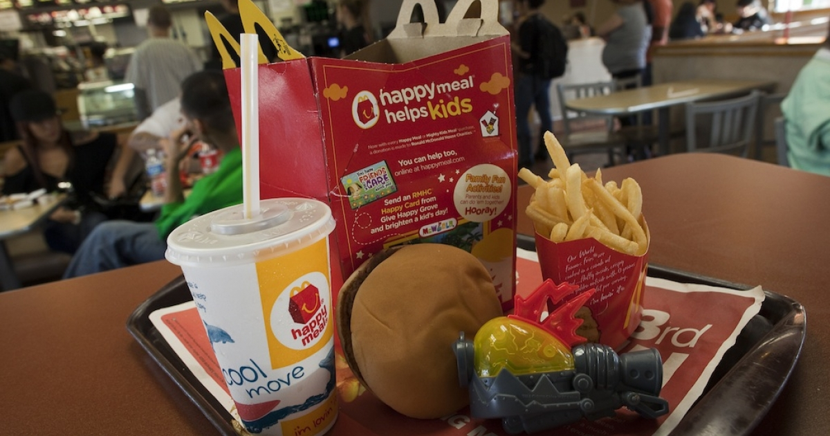 McDonald's announced it is adding the calorie count of popular menu items to its drive throughs and menus nationwide starting Monday. The new U.S. healthcare law will demand larger chains post nutritional information later this year.</p>
