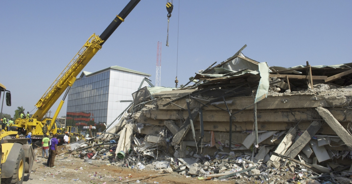 Picture taken November 7, 2012 shows the rubble of the six-story Melcom shopping center that collapsed in Accra, Ghana, trapping dozens of people.</p>