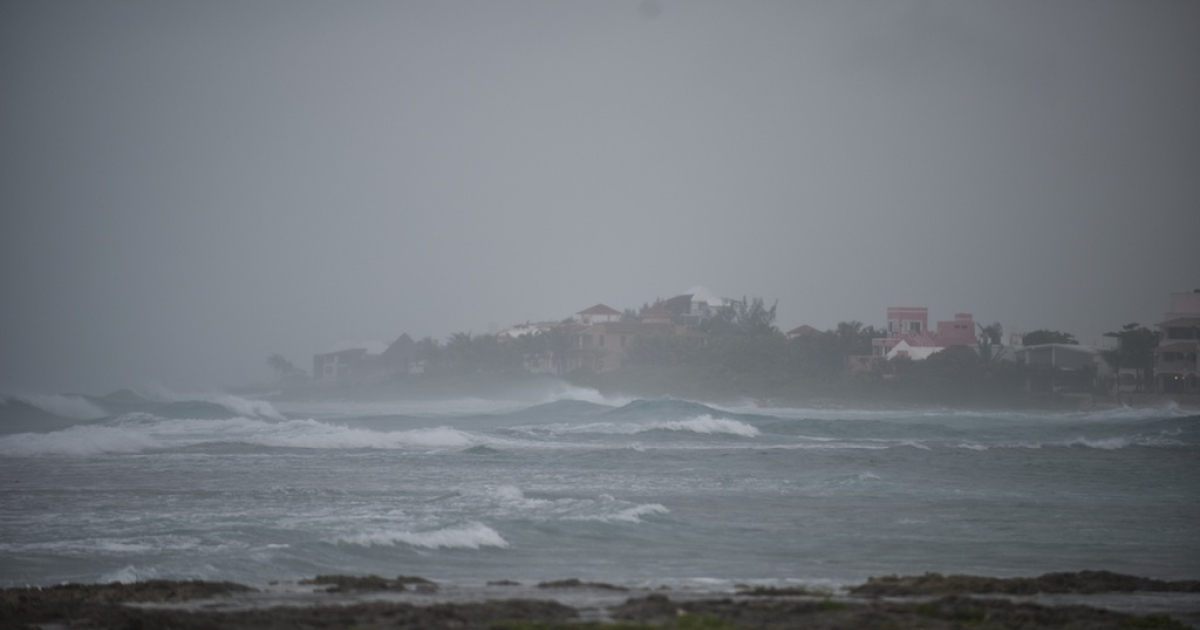 Picture of Akumal bay taken as tropical storm Rina reaches the Mexican coast in Quintana Roo State on October 27, 2011.</p>