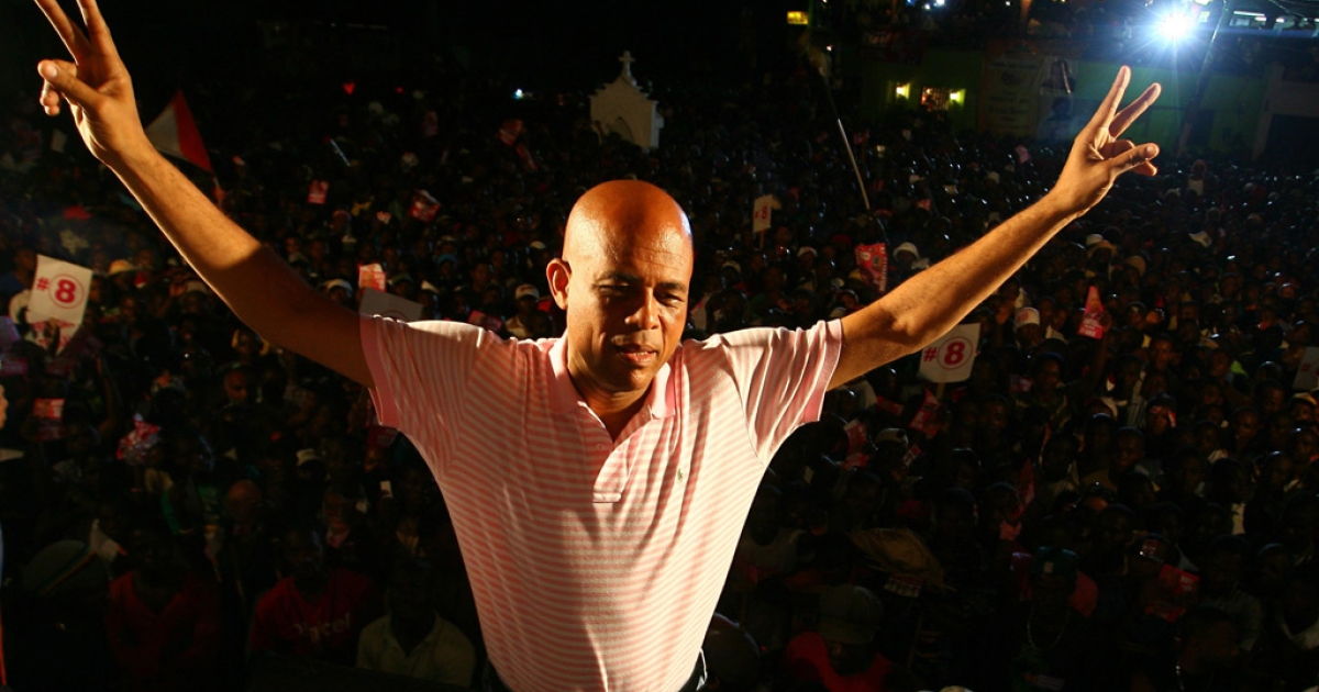 Haitian presidential candidate Michel Martelly greets supporters in the Petionville suburb of Port-au-Prince on March 16, 2011.</p>