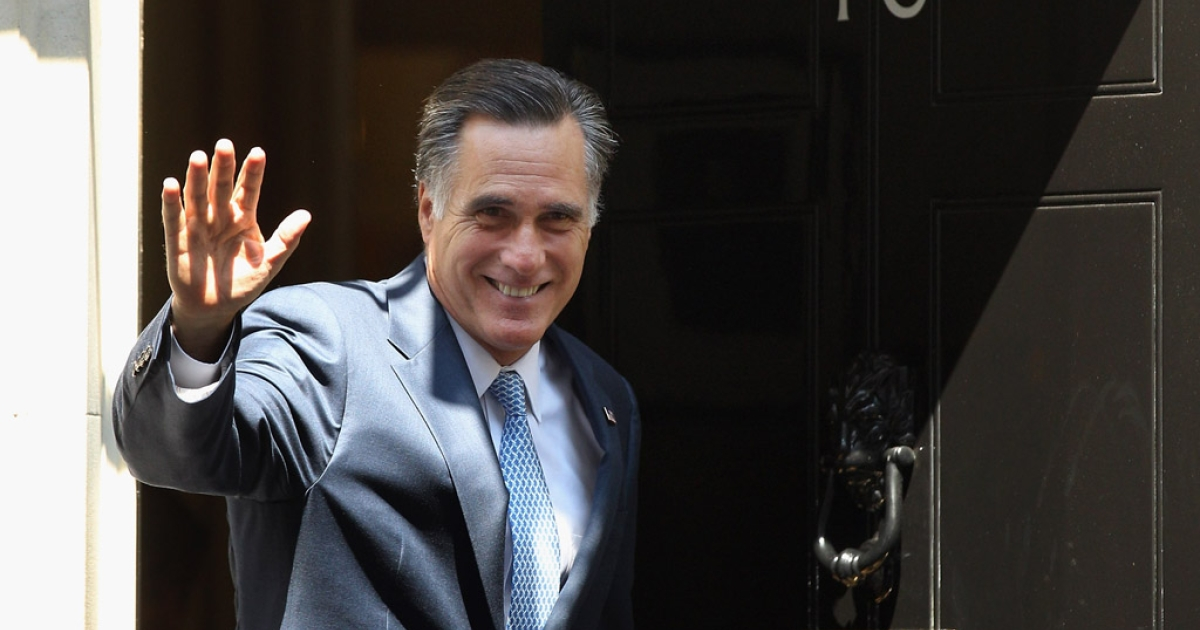 Mitt Romney, the presumptive Republican nominee for the presidential election, arrives at 10 Downing Street to meet with British Prime Minister David Cameron on July 26, 2012 in London, England. Mitt Romney is meeting various leaders, past and present, on his visit to the UK including Tony Blair, Ed Miliband and Nick Clegg.</p>