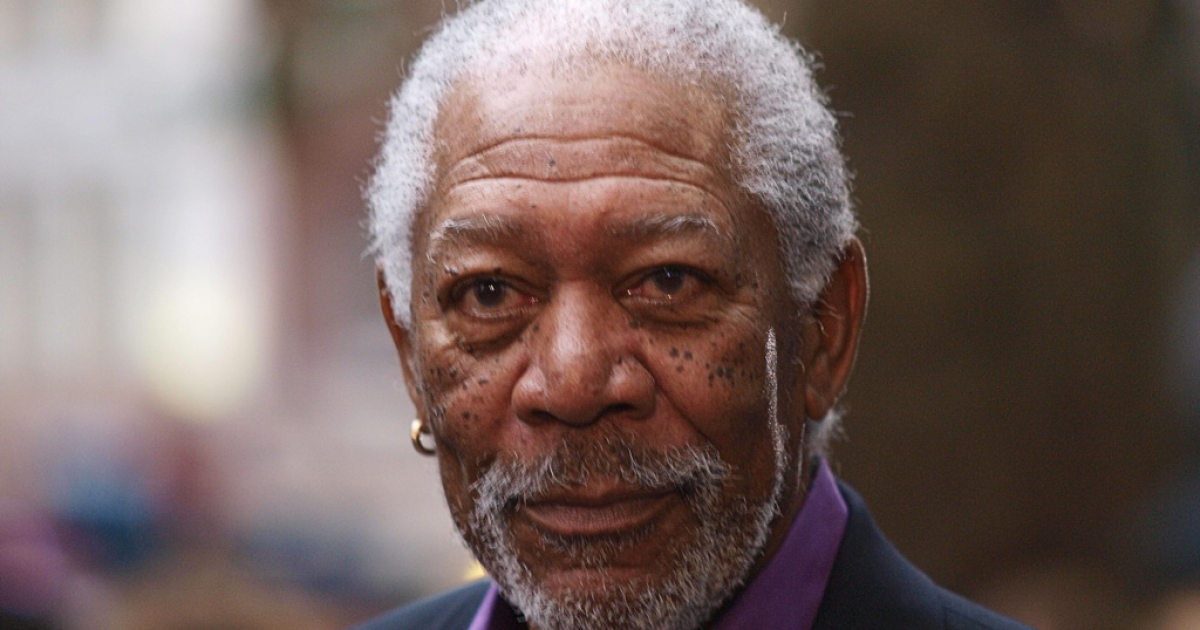 US actor Morgan Freeman arrives for the European premiere of his latest film 'The Dark Knight Rises' in London's Leicester Square on July 18, 2012.</p>