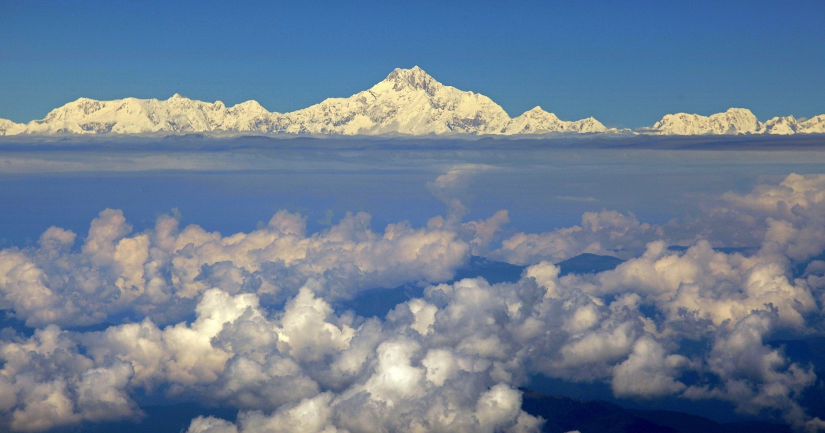 Mount Everest (C) from the window of a Druk Air aircraft during a flight from Bangkok to Paro.</p>