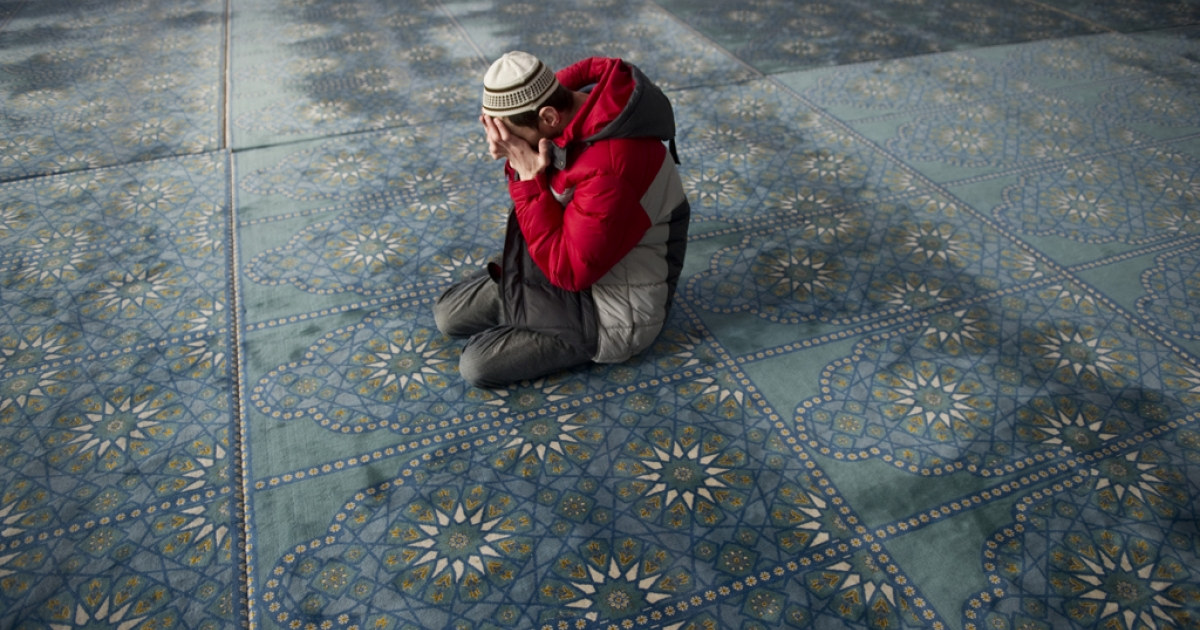 A Russian Muslim prays in the central Qol Sharif mosque in Kazan, Tatarstan. Two prominent Muslim clerics were targeted in separate attacks in Kazan, on July 19, 2012, leaving one dead and the other wounded.</p>