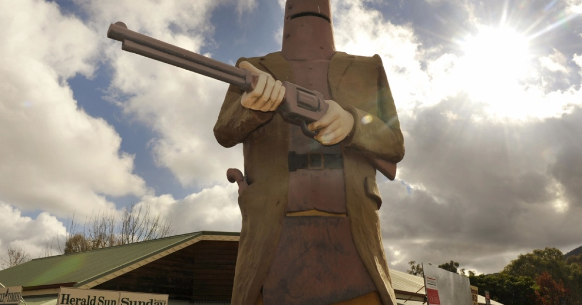 A statue in Glenrowan, Australia, shows Ned Kelly dressed in the homemade armor he wore during his final shootout with police.</p>