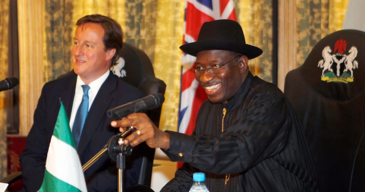 British Prime Minister David Cameron and Nigerian President Goodluck Jonathan take part in round table talks at the State House in Lagos, Nigeria.</p>