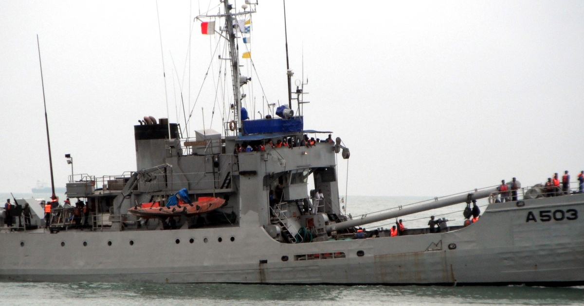 A ship of the Nigerian navy, one of three ships taking part in a joint counter-piracy patrol by the Nigerian and Benin navies, patrols the sea off the coast of Contonou on September 28, 2011.  Benin and Nigeria launched joint sea patrols last year to fight the surge in piracy that has raised alarm in the shipping industry.</p>