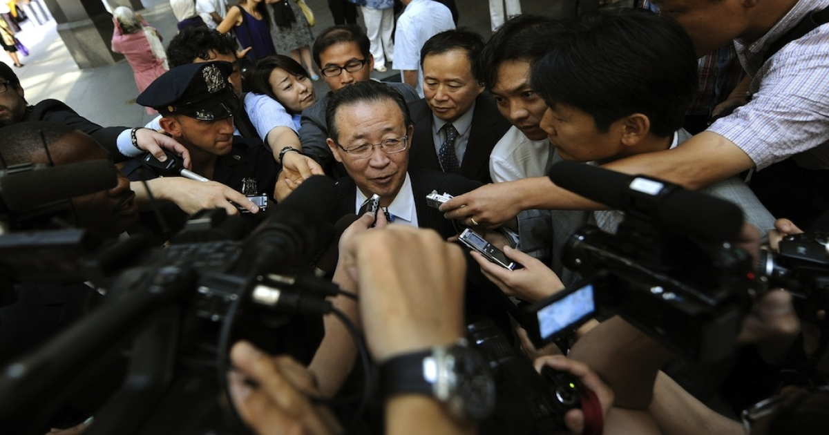 North Korean Vice Foreign Minister Kim Kye Gwan talks to press as leaves his hotel to meet with US Ambassador Stephen Bosworth, the Obama administration's top envoy on North Korean affairs at the US Mission to the United Nations July 28, 2011 in New York. The two are holding talks on North Korea's nuclear weapon program.</p>