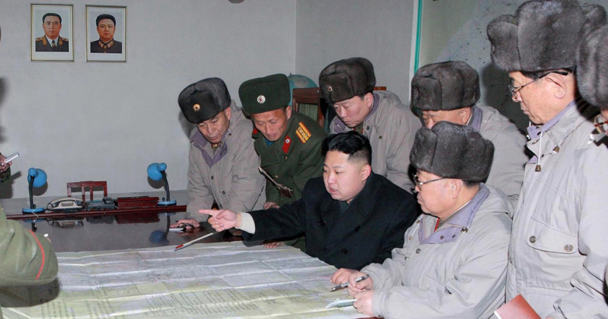 This undated handout picture released from North Korea's official Korean Central News Agency on February 9, 2012 shows North Korean leader Kim Jong Un (C) inspecting the Command of Large Combined Unit 324 of the Korean People's Army at undisclosed place in North Korea. AFP PHOTO / KCNA via KNS</p>