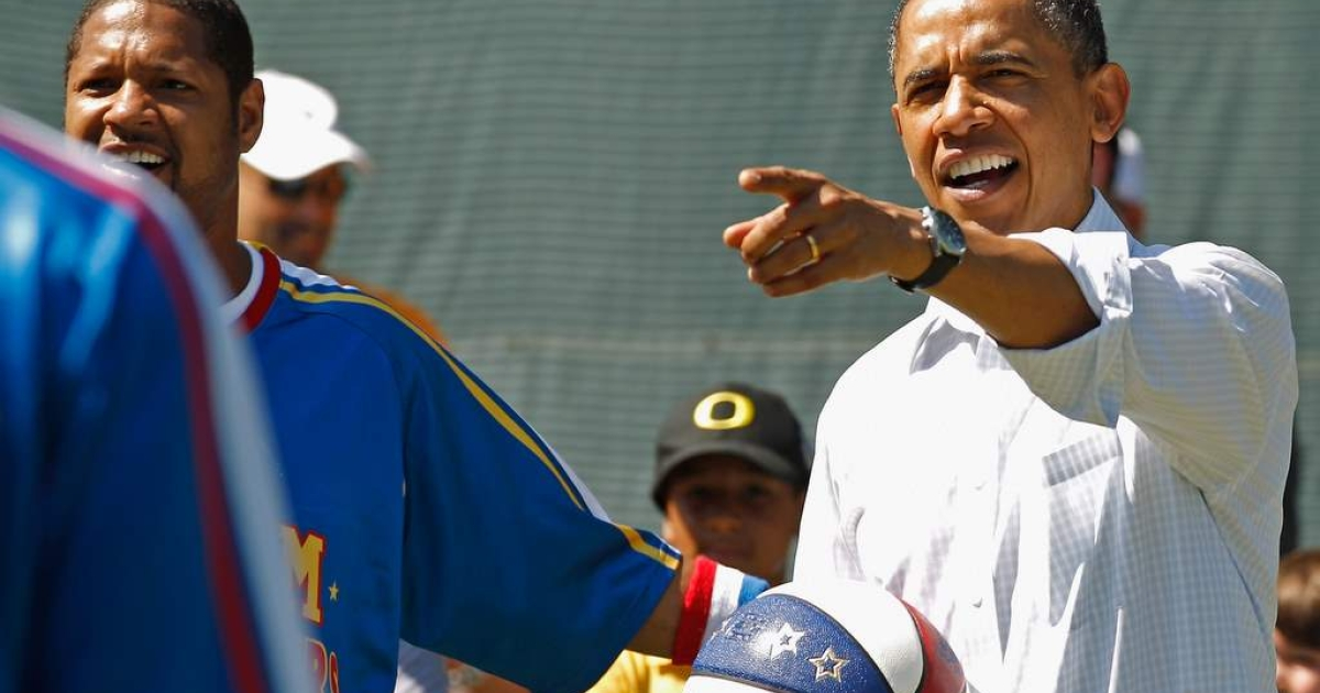 U.S. President Barack Obama participates in a 'Let's Move' basketball clinic with members of the NBA, WNBA and the Harlem Globetrotters during the White House Easter Egg Roll on the South Lawn of the White House April 25, 2011 in Washington, DC.</p>