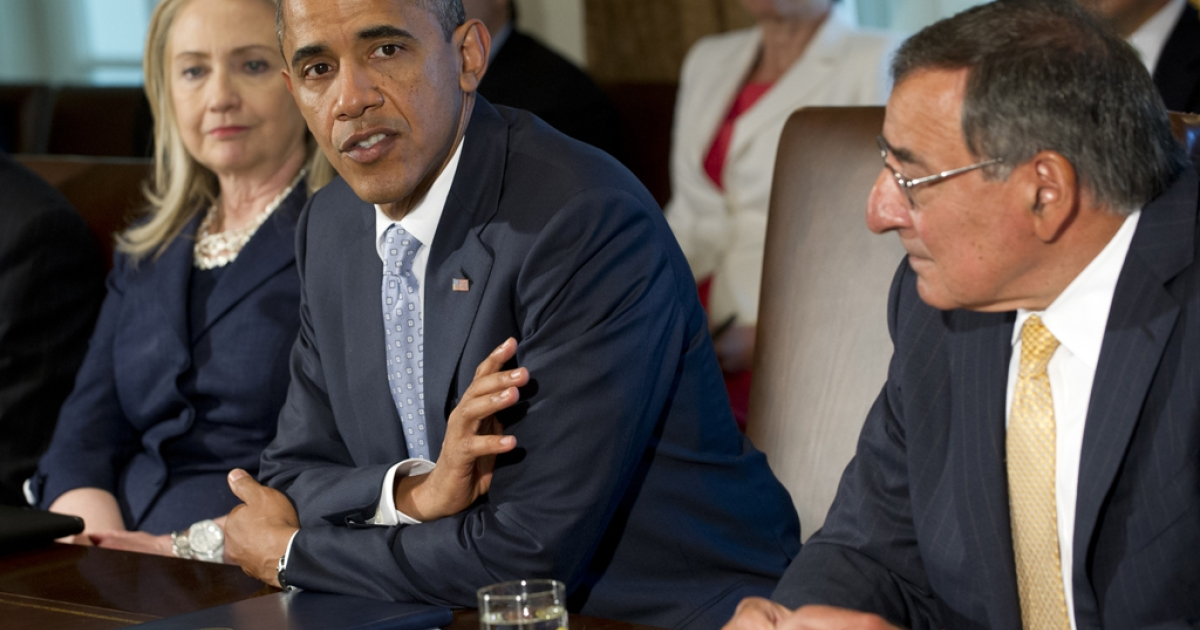 US President Barack Obama speaks alongside Secretary of State Hillary Clinton (L) and Secretary of Defense Leon Panetta (R) as he holds a Cabinet meeting in the Cabinet Room of the White House in Washington, DC, July 26, 2012.</p>