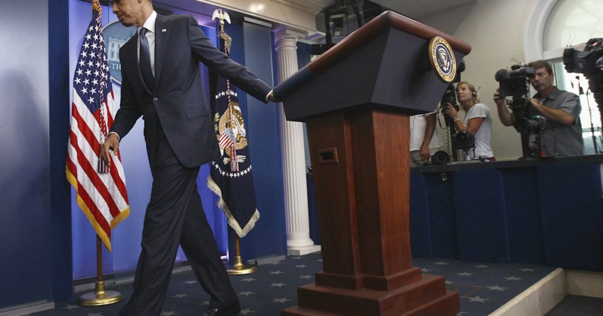 U.S. President Obama walks away from the Brady Press Briefing Room following a brief statement on ongoing debt ceiling negotiations with congressional leaders July 19, 2011 in Washington, DC. Obama said a proposal offered by the bipartisan group, the 'Gang of Six', was 'a very significant step' on resolving the stalemate over the debt ceiling issue.</p>