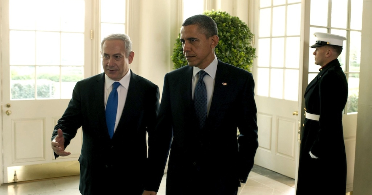 In this handout photo from the Israeli Government Press Office (GPO), U.S. President Barack Obama (R) talks with Prime Minister Benjamin Netanyahu at the White House on March 5, 2012 in Washington, DC. The two leaders discussed peace in the Middle East and Israel's growing concerns with Iran producing nuclear weapons.</p>