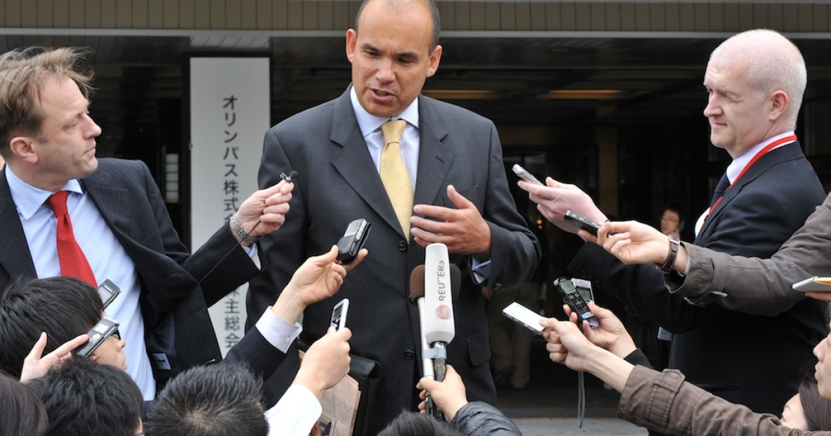 Former Olympus chief executive Michael Woodford speaks to reporters upon his arrival at an extraordinary shareholders meeting in Tokyo on April 20, 2012.</p>
