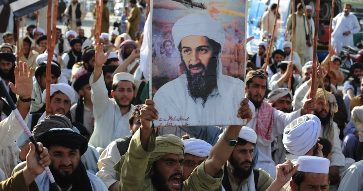Supporters of hardline pro-Taliban party Jamiat Ulema-i-Islam-Nazaryati (JUI-N) shout anti - U.S. slogans during a protest in Quetta on May 2, 2011, after the killing of Osama Bin Laden by U.S. Special Forces in a ground operation in Pakistan's hill station of Abbottabad.</p>