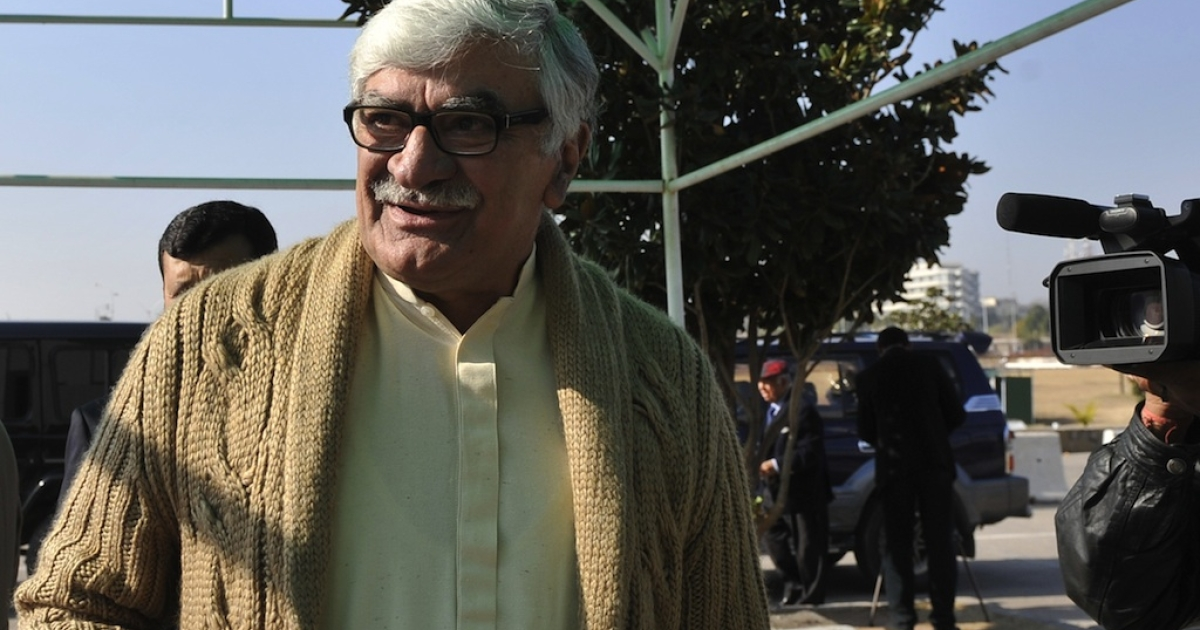 Asfandyar Wali Khan, chief of the Pakistani Awami National Party (ANP) and a ruling coalition partner, arrives to attend a joint session at the Parliament House in Islamabad on January 13, 2012.</p>