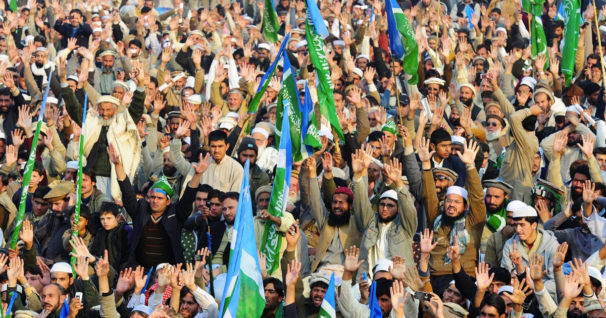 Thousands of Pakistani Islamists protested the US in Lahore.</p>