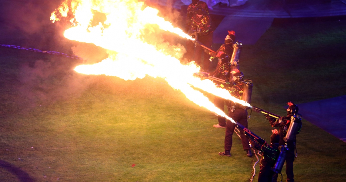 Flame throwers light up the arena during the closing ceremony on day 11 of the London 2012 Paralympic Games at Olympic Stadium on September 9, 2012 in London, England.</p>