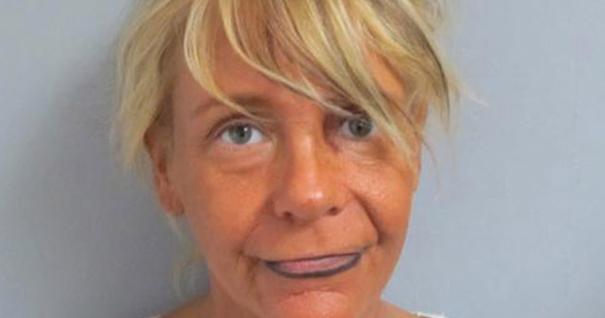 Patricia Krentcil, 44, of New Jersey faces child endangerment charges after authorities say she took her 5-year-old daughter to a tanning salon. The girl suffered a severe sunburn.</p>