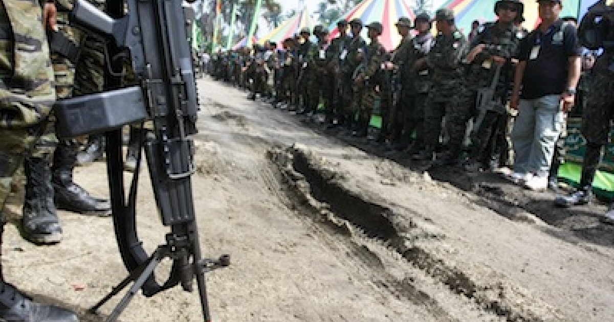Islamic separatists known as the Moro Islamic Liberation Front (MILF) at a gathering of top officers of the MILF in Camp Darapanan, Sultan Kudarat in the southern Philippines.</p>