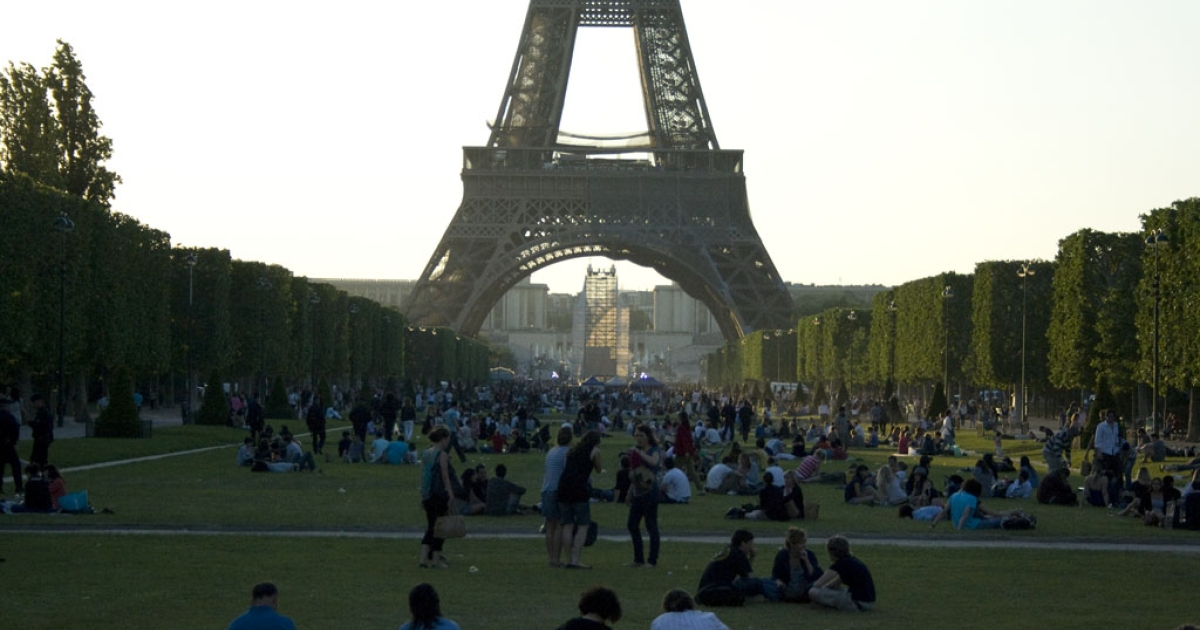 The scene at the Champs de Mars in front of the Eiffel Tower in Paris, France on May 23, 2010.</p>