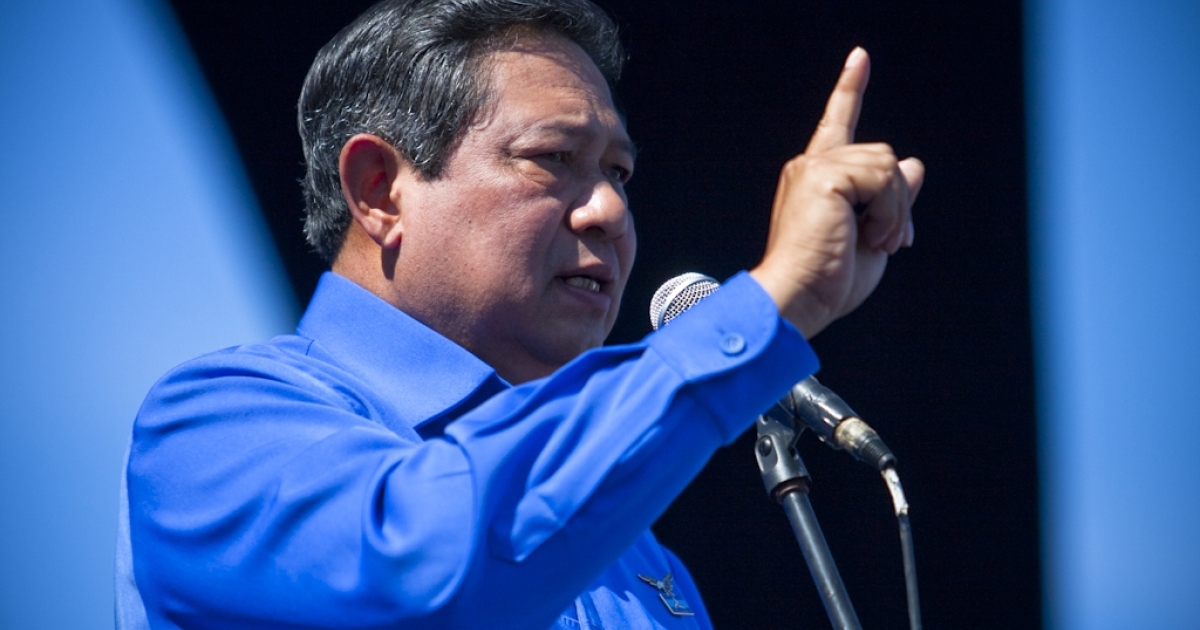 Indonesian President Susilo Bambang Yudhoyono pledged to maintain peace and security in Aceh during the Democratic Party campaign in Banda Aceh March 29, 2009. Yudhoyono's son resigned from the Indonesian Parliament on February 14th, after he was caught absent from a plenary session.</p>