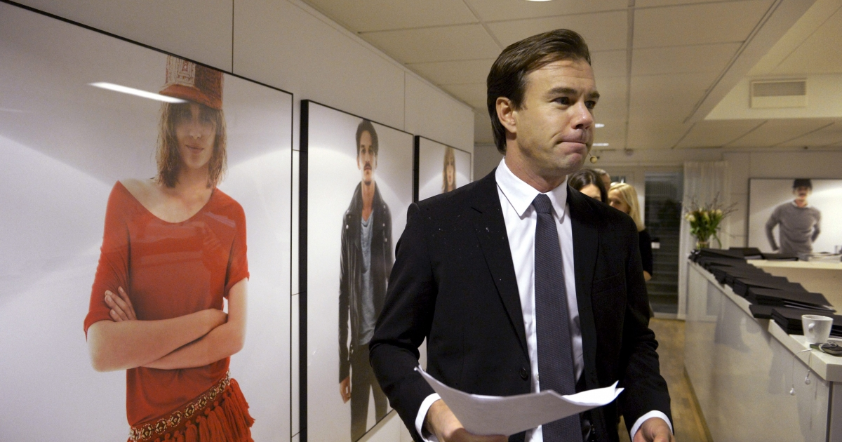 Karl-Johan Persson, chief executive of Swedish clothing retailer H&amp;M, arrives to give a press conference on January 30, 2013 in Stockholm. Fashion retailer Hennes &amp; Mauritz AB said that its net profit rose by 6.6 percent in 2012 and that it increased its market share despite a difficult operating environment.</p>