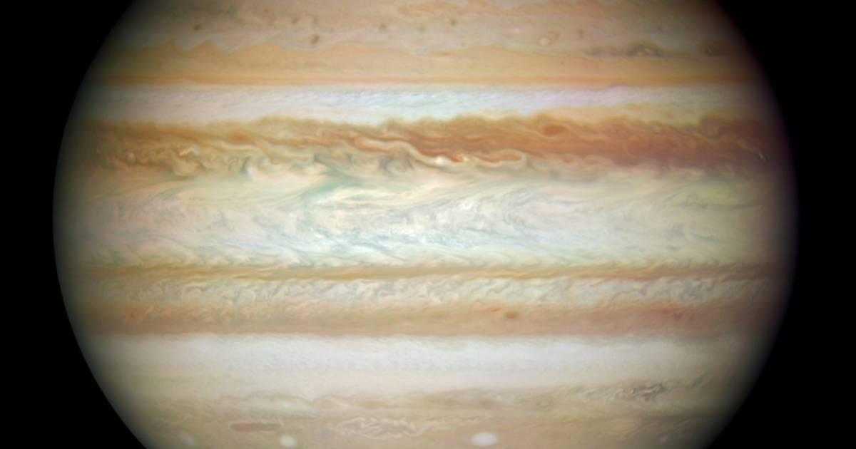 New research shows that the Shoemaker-Levy 9 comet supplied almost all of aqueous part of Jupiter's upper atmosphere.</p>