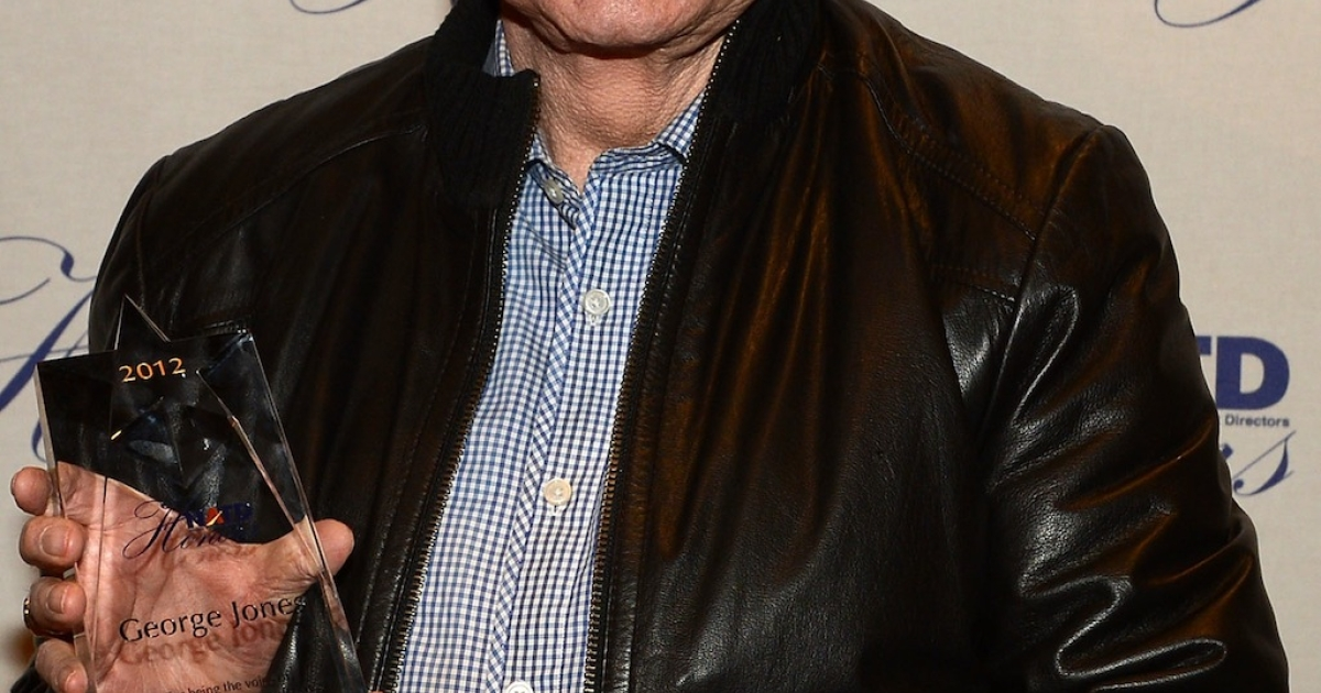 Country music legend George Jones and his NATD Award during the 2012 NATD Honors at The Hermitage Hotel on November 14, 2012 in Nashville, Tennessee. Jones died on Friday after a stay at a hospital. He was 81.</p>