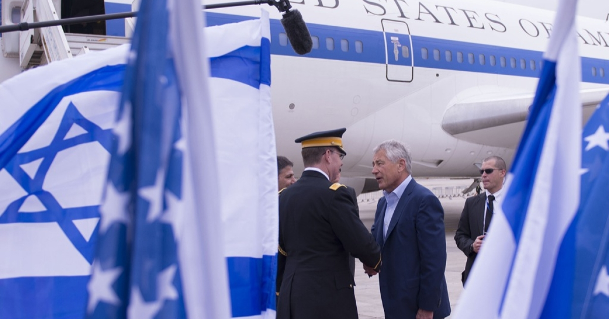 US Secretary of Defense Chuck Hagel shakes hands with dignitaries as he arrives on April 21, 2013 in Tel Aviv, Israel. Hagel will visit Israel, Jordan, Saudi Arabia, Egypt and the United Arab Emirates on his first trip to the Mideast as Pentagon chief.</p>