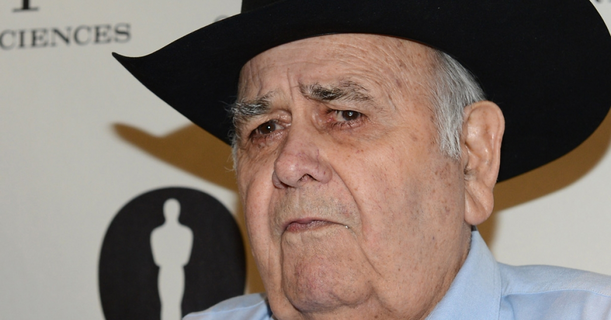 Actor Jonathan Winters arrives at The Academy of Motion Pictures Arts and Science's