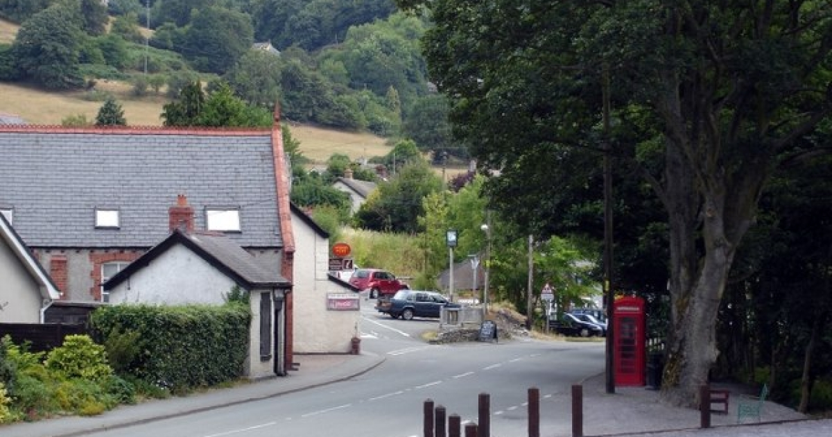 Pontfadog, the little Welsh hamlet where the great oak tree stood.</p>