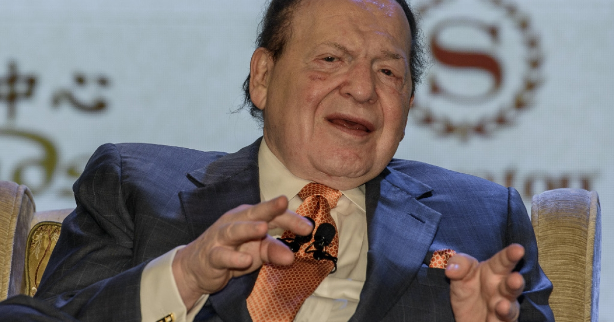Las Vegas casino boss Sheldon Adelson gestures during press conference in Macau on Sep. 20, 2012, when he unveiled plans to build a scaled down replica of the Eiffel Tower as part of a new 3 billion USD gambling resort in Macau. A lawsuit based on Adelson's Macau dealings saw opening arguments on Wednesday, April 3.</p>