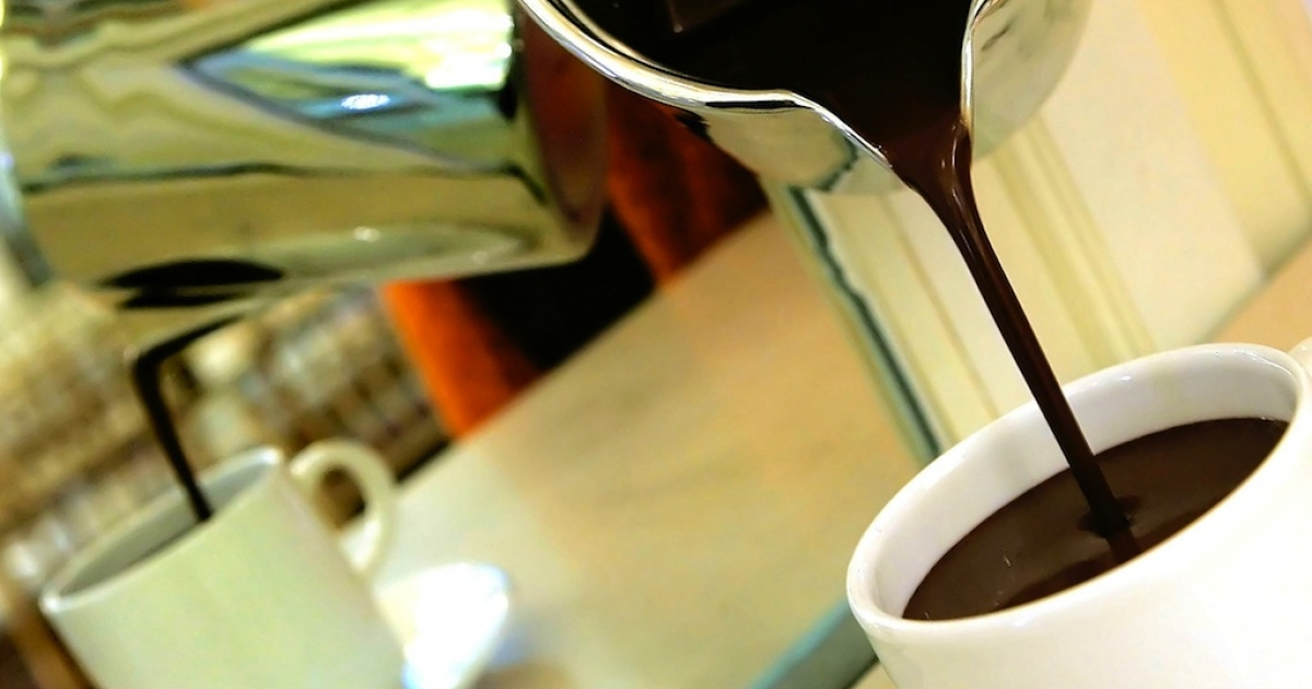 A new study from Harvard says that consuming hot chocolate regularly can reduce the risk of dementia.</p>