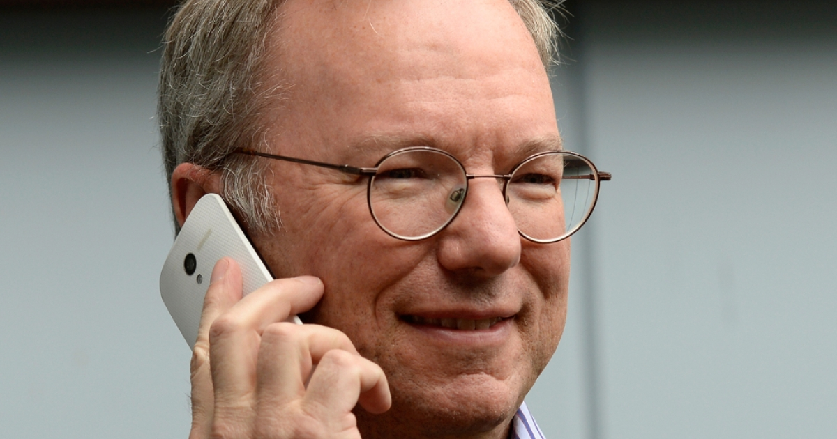 Eric Schmidt, executive chairman of Google, makes a call the new Moto X. Amid fierce competition the phone sales are poised to disappoint.</p>