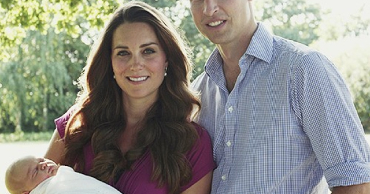 The first official photo of Prince William and his wife Catherine's baby son George.</p>