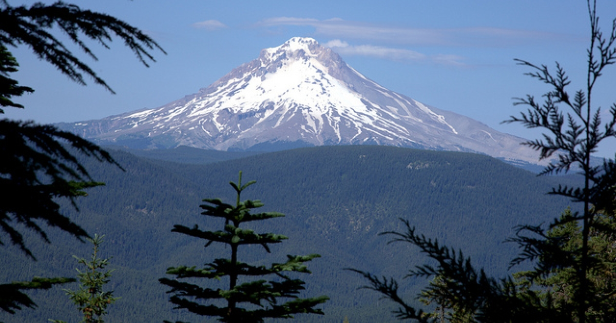 Oregon's Mt Hood volcano, a popular destination for snowboarders and hikers.</p>