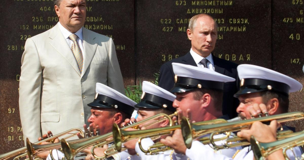 Erstwhile pals: Viktor Yanukovych (L) and Vladimir Putin.</p>