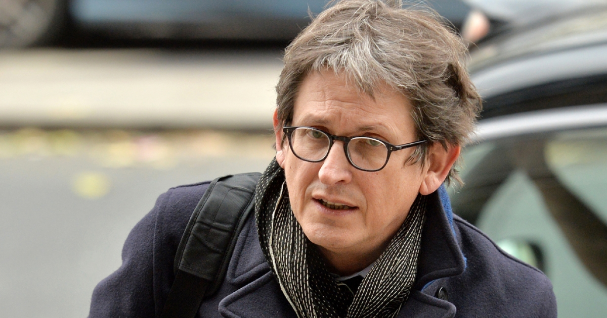 The editor of Britain's Guardian newspaper, Alan Rusbridger, arrives at Portcullis House in London on December 3, 2013, to appear before lawmakers to defend his newspaper's publication of intelligence documents leaked by former US intelligence analyst Edward Snowden.</p>