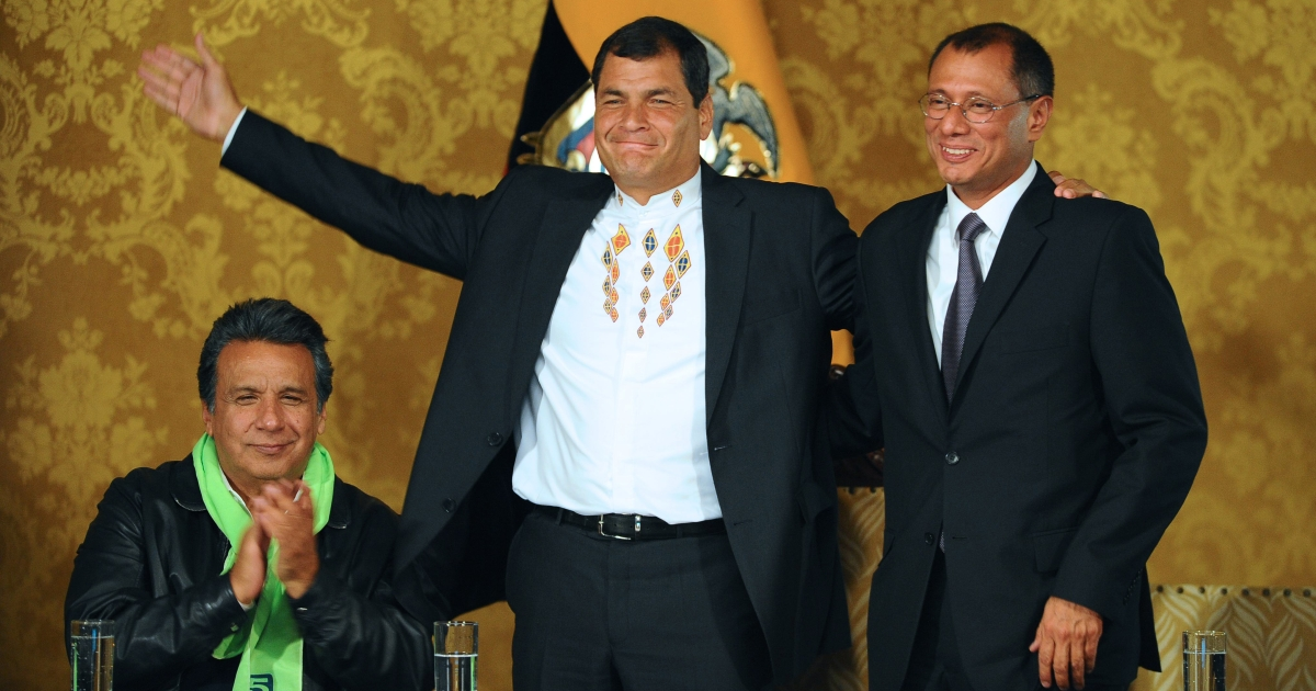 Ecuadorean President Rafael Correa (C) celebrates his re-election flanked by his current Vice-President Lenin Moreno (L) and his Vice-President elect Jorge Glass, at the Carondelet presidential palace in Quito on February 17, 2013.</p>