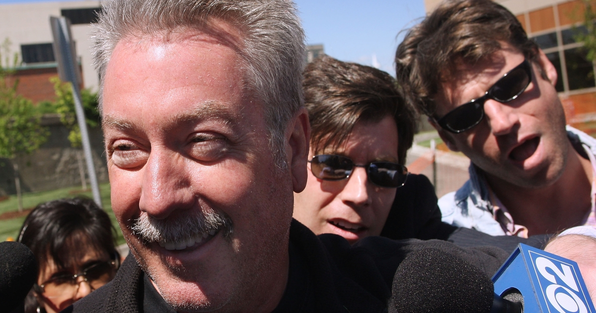 Former Bolllingbrook, Illinois police officer Drew Peterson leaves the Will County Jail after posting bail for a felony weapons charge May 21, 2008 in Joliet, Illinois.</p>