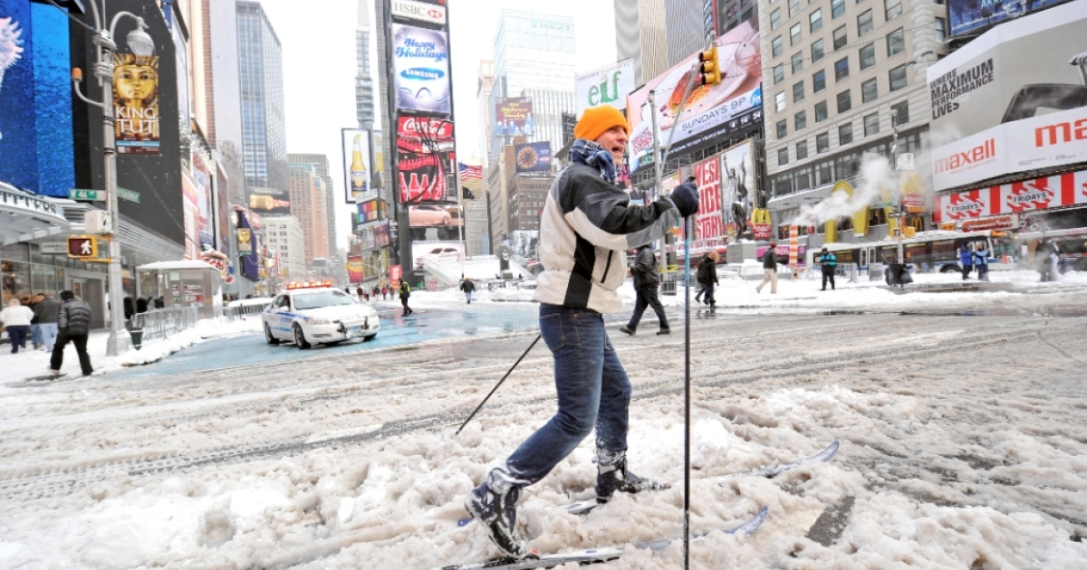 Forecasters are predicting the blizzard will be similar to one that hit New York in 2010 and dumped 16 inches of snow.</p>