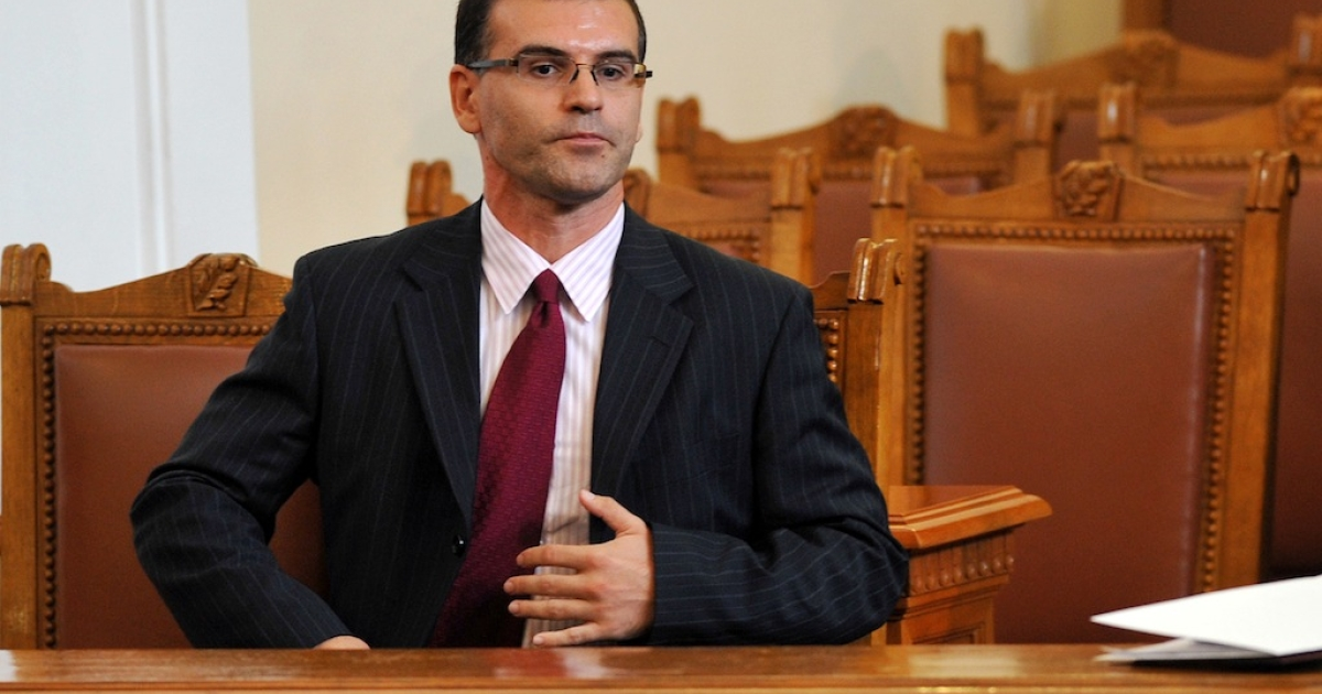 Bulgaria's just-fired Finance Minister Simeon Djankov, a World Bank economist, sits in Parliament on July 27, 2009 in Sofia.</p>