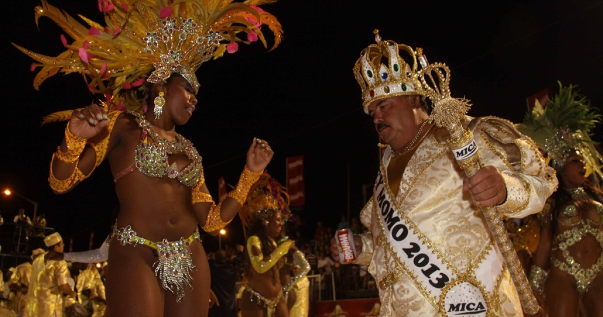 On Jan. 18, 2013 during the Llamadas in Encarnacion, one of Paraguay's biggest carnival parades, performers from the San Clemente samba school in Rio de Janeiro dance with the King of the Carnival.</p>