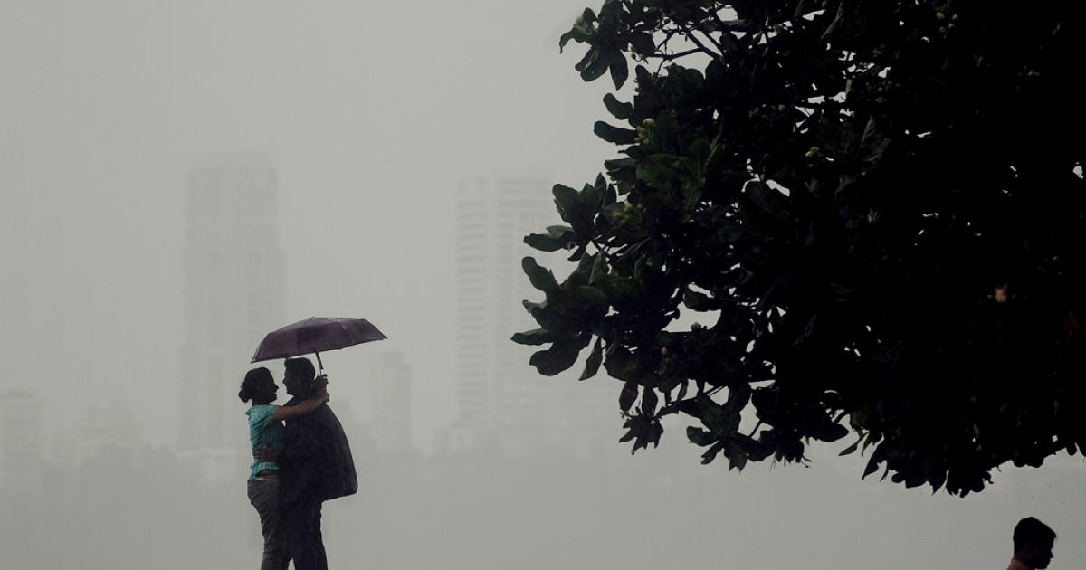 An Indian couple in Mumbai.</p>