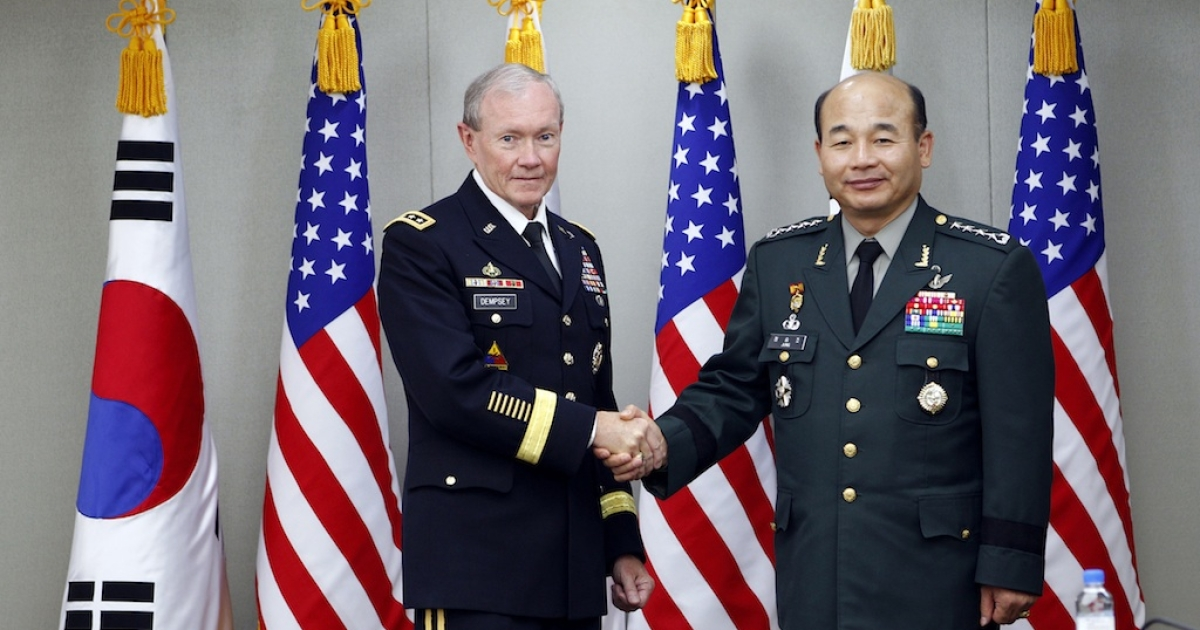 General Jung Seung-jo meets with US Army Gen. Martin E. Dempsey, chairman of the Joint Chiefs of Staff.</p>