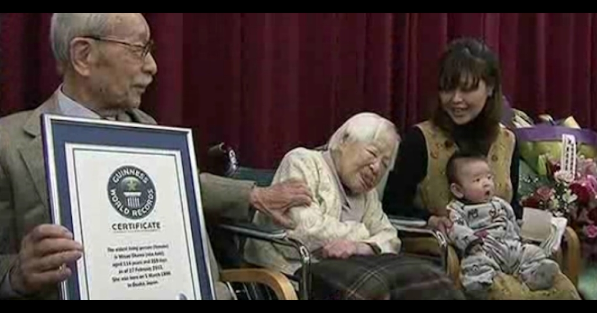 Misao Okawa, with her 2-month-old great-grandson Hibiki by her side, was named the world's oldest woman at 114.</p>