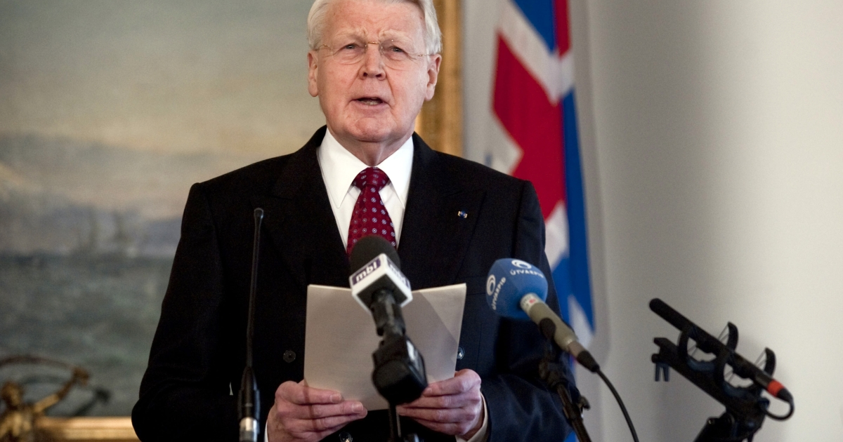 Icelandic President Olafur Ragnar Grimsson announces on January 5, 2010 in Reykjavík in a speech televised to the nation that he would not sign a controversial bill to compensate the British and Dutch governments over the failure of Icesave bank, instead referring the issue to a referendum.</p>