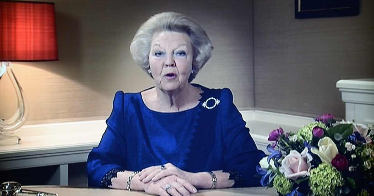 Dutch Queen Beatrix announces her abdication on television on January 28, 2013. Queen Beatrix of the Netherlands announced on January 28, 2013 that she would abdicate in favour of her son Crown Prince Willem Alexander at the end of April, after 33 years in power. The queen, who is to turn 75 on Thursday, told national television that her birthday and the 200-year anniversary of the monarchy in 2013 'were the reason for me to step down.'</p>
