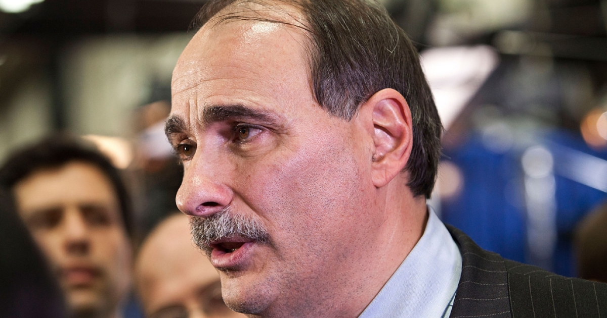 Democratic political consultant David Axelrod speaks to members of the media after the second presidential debate on Oct. 16, 2012 in Hempstead, New York.</p>